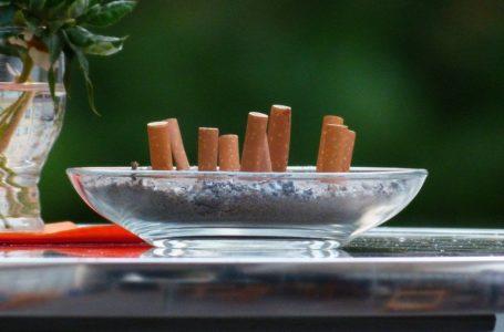 Czy prawo pozwala palić papierosy na balkonie?