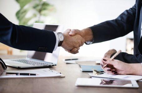 Ile zarabia na Tobie doradca kredytowy?