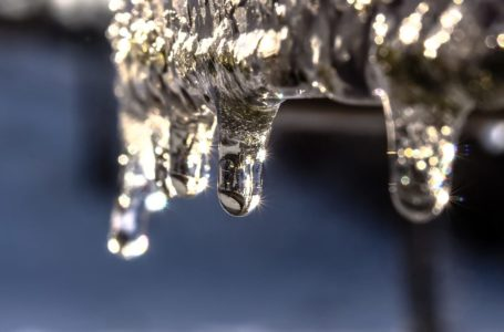 Stacja uzdatniania wody – sposób na walkę z twardą wodą