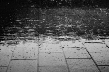 Jak poradzić sobie z deszczówką, gdy nie mamy kanalizacji burzowej