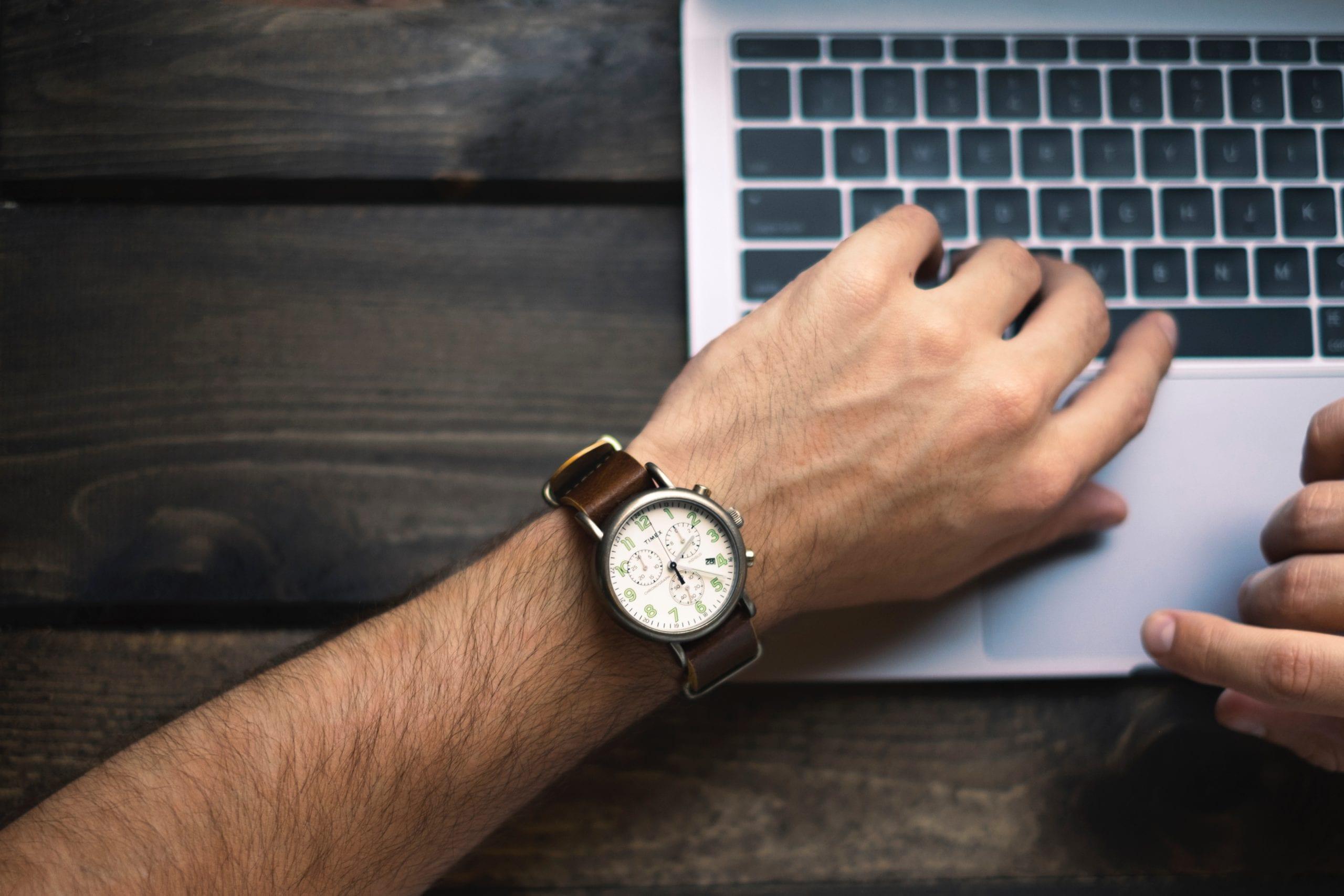 Dlaczego warto zainwestować w droższy zegarek?