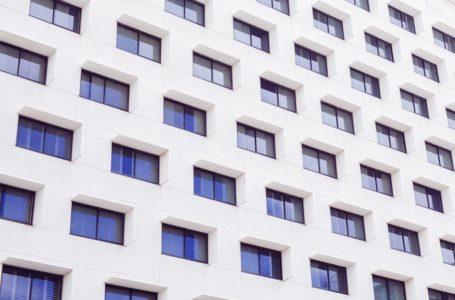 Jakie mieszkanie wybrać – na parterze czy na piętrze?