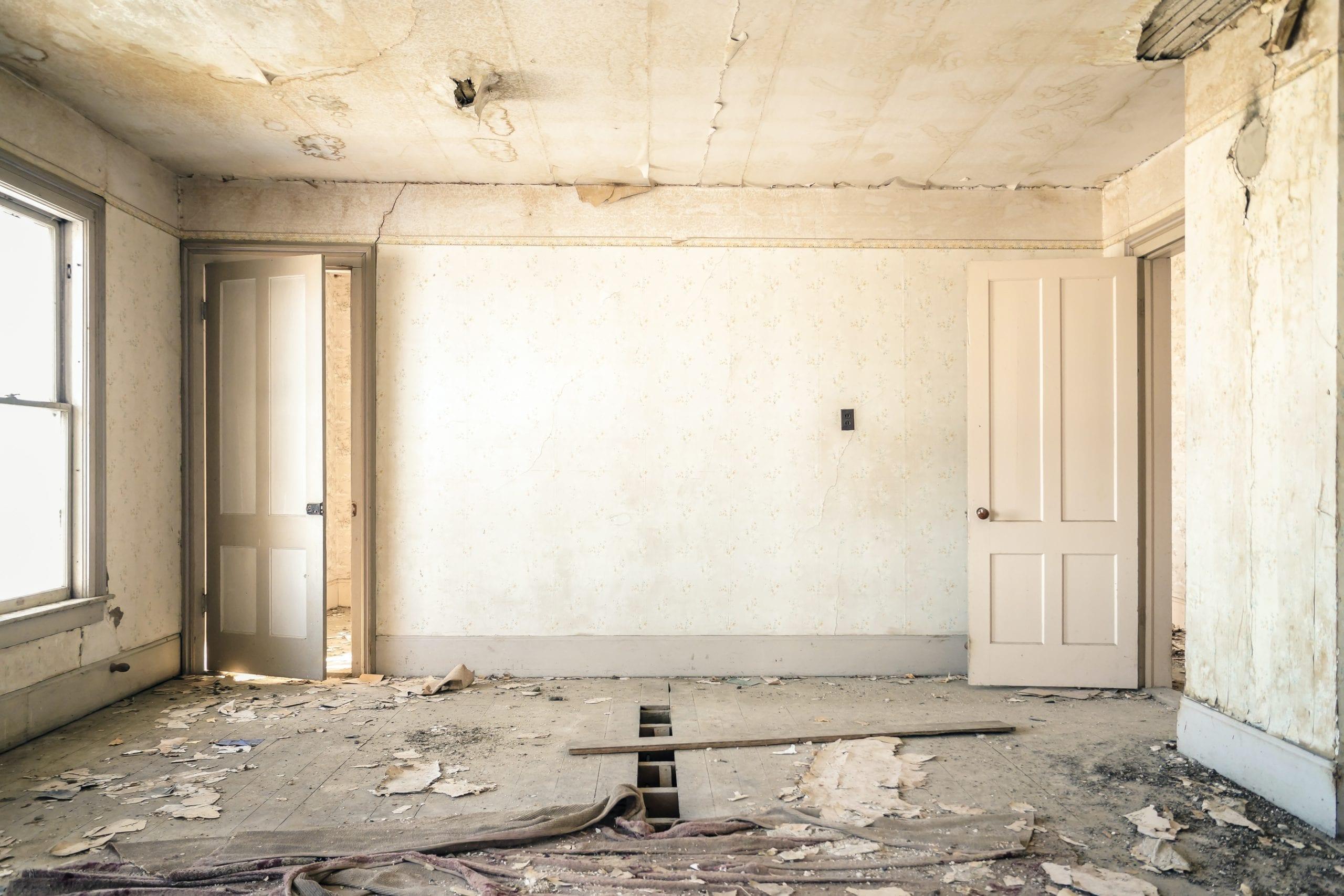 Remont domu – kiedy wynająć kontener?