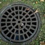 Kanalizacja przydomowa – właz żeliwny to dobre rozwiązanie?